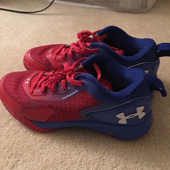Under Armor Clutch Fit Basketball Size